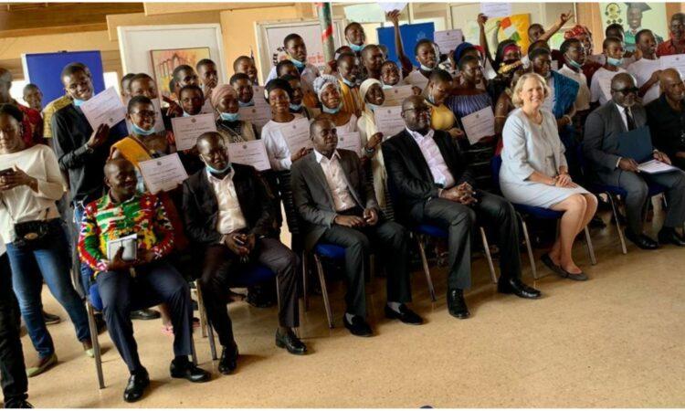 Cérémonie de clôture de la 9ième promotion (2018-2020) English Access Micro-Scholarship Program
