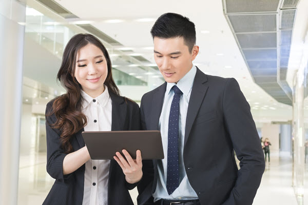 two young business people