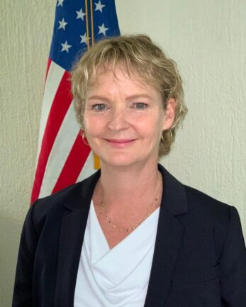Cónsul General Eliza F. Al-Laham