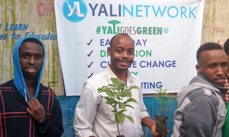 (A YALI Network member participates in a #YALIGoesGreen event. Photo courtesy of Abdinasir Gaylab, YALI Network face2face)