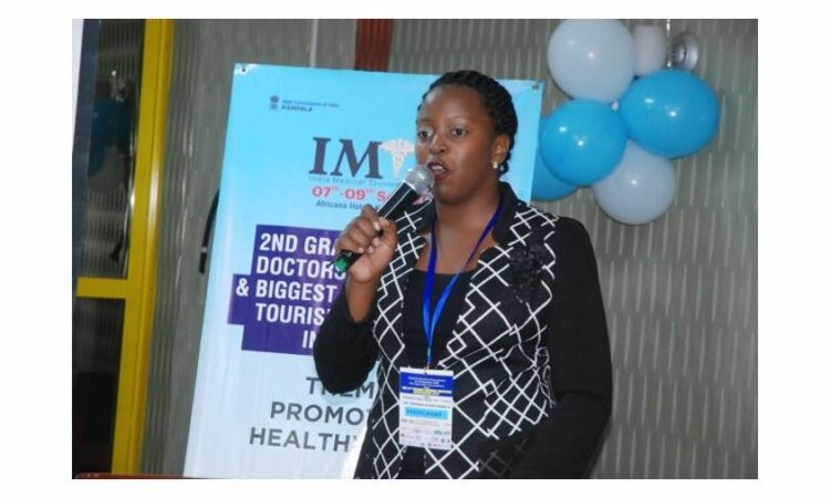 Brenda presenting her abstract at the 2018 Uganda Medical Association Conference