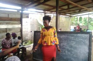 Njapen leading a YALILearns session in September 2019