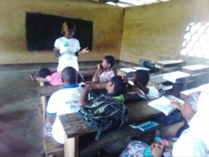 Njapen leading a YALILearns session in April 2019