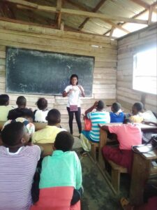 Njapen leading a YALILearns session in July 2019