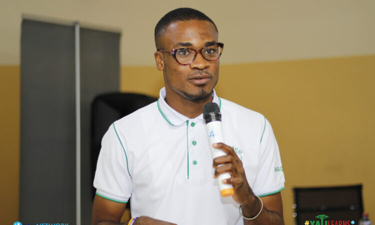 Desmond presenting at his YALILearns session in February 2019
